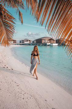 8 Things To Do at Club Med Finolhu Maldives Beach Photography Poses, Beach Poses, Summer Photography, Lifestyle Photography, Beach Portraits, Maldives Honeymoon, Maldives Travel, Maldives Beach, Shotting Photo