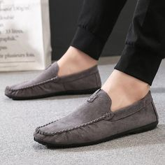 PADEGAO Spring Autumm Leisure Soft Comfy Casual Loafers Shoes for Men Solid Flat Slip On Shoes Retro Concise Driving Shoes Outfit Accessories From Touchy Style Brown Casual Shoes, Casual Loafers, Loafers Men, Formal Loafers, Leather Shoes Brand, Black Leather Shoes, Green Leather, Mens Fashion Casual Shoes, Mens Fashion Wear