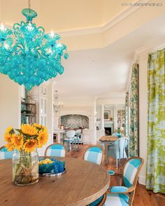 House of Turquoise: Chandelier Small Space Design, Small Spaces, Turquoise Chandelier, Dining Room Design, Dining Rooms, Dining Area, House Of Turquoise, Luxury Interior Design, Interior Ideas