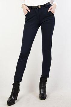 Granatowe spodnie materiałowe, z paskiem