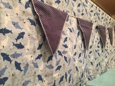 """toalha e bandeirinhas de """"a festa na mochila"""""""