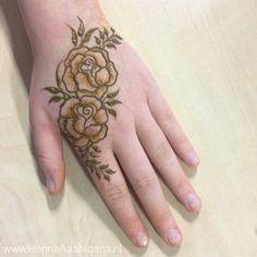 Rose Mehndi Designs, Latest Henna Designs, Indian Henna Designs, Dulhan Mehndi Designs, Mehndi Designs For Fingers, Wedding Mehndi Designs, Unique Mehndi Designs, Beautiful Henna Designs, Simple Mehndi Designs