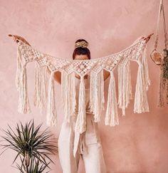 Macrame Design, Macrame Art, Macrame Projects, Macrame Knots, Macrame Wall Hanging Patterns, Macrame Patterns, Boho Diy, Crochet Curtains, Diy Christmas Gifts