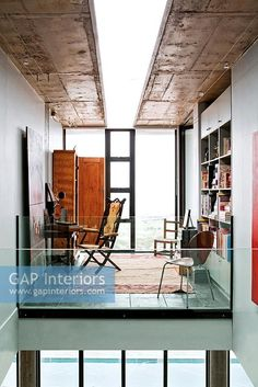 Modern home office in mezzanine Interior Ikea, Interior Simple, Interior Exterior, Apartment Interior, Home Interior, Interior Architecture, Interior Design, Minimalist Home Decor, Minimalist Interior