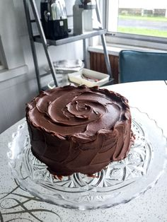 ct balance of sweet enough without being too sweet. Chocolatey but not too chocolatey (if there were such a thing). The addition of coffee might seem a surprise, but it's there to enhance and boost the flavor of the chocolate. I swear yo Best Chocolate Cake, Chocolate Recipes, 6 Inch Chocolate Cake Recipe, Chocolate Food, Chocolate Frosting, Beste Burger, Cake Recipes, Dessert Recipes, Vegetarian Chocolate
