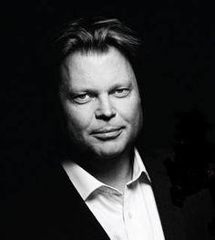 Jørn Lier Horst og Jagthundene er tildelt Svenska Deckarakademiens pris 2014 for bedste oversatte krimi. Til Krimimessen er Lier Host aktuel med Hulemanden.