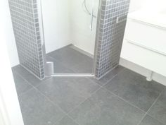 Afbeeldingsresultaat voor kleine badkamer inloopdouche