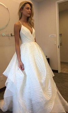 Hayley Paige Behati: buy this dress for a fraction of the salon price on PreOwnedWeddingDresses.com
