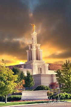 Megan Kelly Temple Photography of the Columbia River LDS Temple Washington
