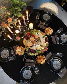 "Rakel Lien on Instagram: ""Fra gårsdagens jentekveld 😍 . . . . #cheeseplatter #wineanddine #decoration #myhome #interior #decor #interior123 #interior4inspo…"" Paella, Decoration, Table Settings, Ethnic Recipes, Instagram, Food, Dekoration, Meal, Table Top Decorations"