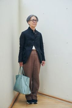 Work Fashion, Fashion Outfits, Womens Fashion, Cool Style, My Style, Comme Des Garcons, Woman Standing, Aging Gracefully, Sneakers Fashion