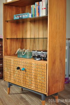Thrift Store Furniture, Funky Furniture, Furniture Upholstery, Art Furniture, Upcycled Furniture, Furniture Makeover, Vintage Furniture, Painted Furniture, Furniture Design