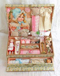 W Fine Porcelain China Diane Japan Refferal: 7932419437 Victorian Dolls, Vintage Dolls, Paper Dolls, Art Dolls, Fabric Dolls, Decorating Bookshelves, Doll Display, Antique Boxes, Miniature Dolls