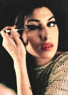 A Photographic Tribute: Amy Winehouse's Legacy Lives On Diva Nails la diva nails musgrave Nina Simone, Janis Joplin, Toni Braxton, Sandra Bullock, Michelle Obama, Divas, My Idol, Courtney Love, Vintage Makeup