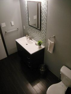HGTVRemodels' Bathroom Planning Guide offers tips for developing a financial plan and bathroom renovation budget on HGTV.com.