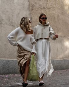 date casual outfit Street Style, Cool Street Fashion, My Life Style, My Style, Celebrity Summer Style, Style Summer, Summer Dress, Summer Skirts, Summer Outfits