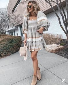 11 Healthier Starbucks Drinks To Try On Your Next Order // Volume 1 Disney Wedding Dresses, Stylish Maternity, Maternity Outfits, Hijab Chic, Mom Outfits, Trendy Outfits, Girly Outfits, Fall Outfits, Mom Style