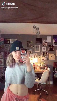 Skateboard Design, Skateboard Girl, Penny Skateboard, Music Mood, Mood Songs, Skate Girl, Skate Style Girl, Skater Kid, Chill Songs
