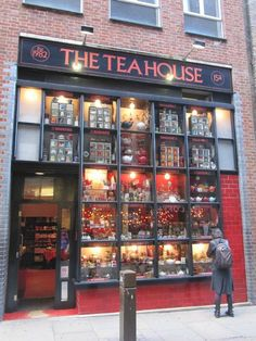 The tea house in London in Covent Garden where Cat and I spent about 4 hours !