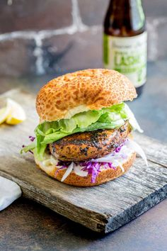 This juicy Peri Peri chicken burger is perfect for Nando lovers. The homemade marinade takes your skinless boneless chicken breast to the next level. Chicken Subs, Peri Peri Chicken, Chicken Marinades, Boneless Chicken Breast, Salmon Burgers, Sprouts, Sprinkles, Rooster