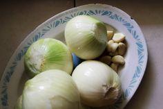 Vermicelles au poulet, une recette 100% sénégalaise! Chicken Vermicelli, Vermicelli Recipes, Chicken Rice Casserole, Onion, Garlic, Vegetables, Food, African, Braids