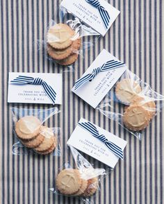 "Gillian made sure the favors at her waterfront wedding echoed her nautical motif with butter cookies ""embossed"" with anchors."