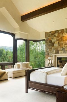 Willoughby Way was designed by Charles Cunniffe Architects and is located in Aspen, Colorado