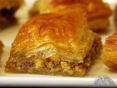 Baklava (pastelillos de pasta filo y pistachos)