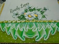 Nenhum texto alternativo automático disponível. Lace Painting, Rock Art, Pattern, Diy, Pasta, Dish Towels, Simple Embroidery, Crochet Octopus, Cute Paintings