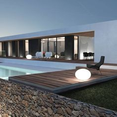 Modern house in Aix-en-Provence (France) by Jy Arrivetz architecte Modern Architecture House, Modern House Design, Interior Architecture, Casas Containers, Glass House, Pool Houses, Exterior Design, Modern Exterior, Luxury Homes