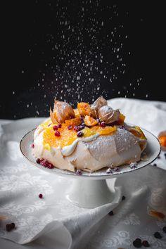 Merkur Blog | Orangen-Pavlova Orange Creme, Avocado, Pavlova, Panna Cotta, Deserts, Ethnic Recipes, Food, Christmas, Banana