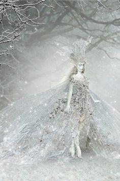 Snow elves by Maxine Gadd ~•º•~>¡<•º•>!<•º•>¡<~•º•~