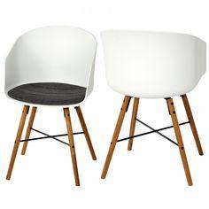 Mit modernen Stühlen hauchen Sie Ihrem Essbereich neues Leben ein. Unser Schalenstuhl Hvam ist ganz im angesagten Retro-Design gehalten: Die schmalen Beine aus Holz zeigen unter der weißen Sitzschale schräg nach außen und bringen nordischen Charme in Ihre Wohnräume. Das praktische 2er-Set sorgt für ein einheitliches Aussehen und lädt Sie umso mehr ein, es sich gemütlich zu machen.