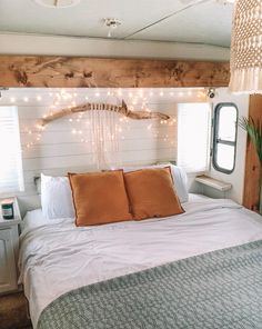 See how a couple transformed their outdated RV into a boho surf shack! See how a couple transformed Caravan Makeover, Caravan Renovation, Rv Makeover, Van Living, Home And Living, Trailer Decor, Surf Shack, Remodeled Campers, Glamping