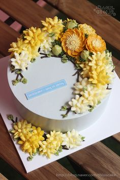 #thisiscake #buttercreamcake #flowercake #weath #spring flower thisiscake's song of sping cake