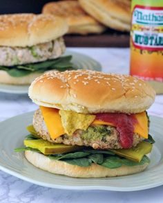 White Bean Veggie Burgers - these quick and easy veggie burgers are packed with protein and flavor - make ahead for fast lunches or dinners! *PIN THIS FOR LA Vegan Foods, Vegan Dishes, Vegan Vegetarian, Vegetarian Recipes, Healthy Recipes, Tasty Meals, Eat Healthy, Healthy Living, Cheap Vegan Meals