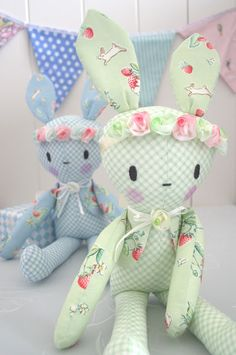Gee's Projects: Bunnies and Cream..soft toys and other projects.