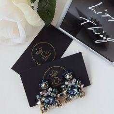 #earringfashion #earrings #handmadejewelry #handmade #jewelrydesign #jewelry #jewellery #jewellerydesign #jewels #design #accessories #edtaccessories #style #fashionearrings #fashionista #fashion #stone #swarovskicrystals #swarovski #blue