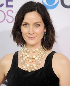 Matrix maven Carrie-Anne Moss, 45, at the 2013 People's Choice Awards wins best statement necklace