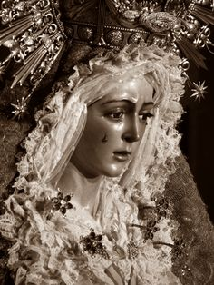 """Virgin de La Macarena (patron saint of """"bullfighters and flamenco"""") Religious Icons, Religious Art, Holy Week In Spain, Jesus Mary And Joseph, Our Lady Of Sorrows, Seville Spain, Catholic Art, Patron Saints, Blessed Mother"""
