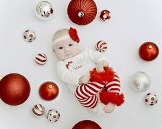 Cute Ideas for Baby's First Christmas Photos