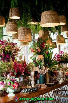 Casamento na fazenda: Patrícia Cayres Mariotti + Alexandre Cappi Junior - Constance Zahn Flower Shop Decor, Flower Shop Design, Flower Shops, Cafe Design, Store Design, Flower Shop Interiors, Decoration Evenementielle, Deco Restaurant, Wedding Decorations