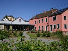 Villa auf dem Land, - Villa 8 Schlafzimmer, Schlafmöglichkeiten für 18Ferienhaus in Malberg von @homeaway! #vacation #rental #travel #homeaway