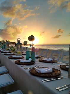 welcome to Anguilla...... dinner on the beach with a blazing sunset as a backdrop.....tres magnifique