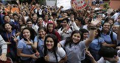 Movimiento estudiantil paraguayo logra la renuncia de la Ministra de Educación http://insurgenciamagisterial.com/movimiento-estudiantil-paraguayo-logra-la-renuncia-de-la-ministra-de-educacion/