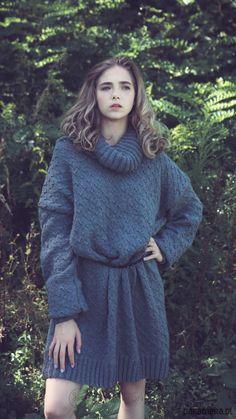 swetry- Ręcznie wykonany vege sweter/tunika 'Caroline'