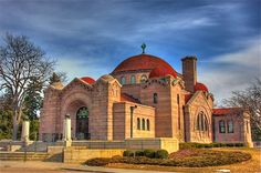 Lakewood Cemetery and Chapel in Minneapolis by Contributor: Darin Luehrs  (taken Jan. 2012)
