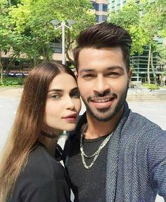 Hardik Pandya Girlfriend, Brother Photos, Virat And Anushka, Father Photo, Latest Cricket News, Cricket Sport, Mumbai Indians, Photography Poses For Men, Cute Family