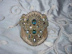 Купить Браслет VIN-BR3 - бежевый, браслет, браслет из кожи, Сваровски, жемчуг, жемчужный браслет