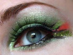 Green Glitter Wings for TMNT costume Halloween 2015, Holidays Halloween, Halloween Make Up, Halloween Crafts, Halloween Decorations, Halloween Costumes, Most Beautiful Eyes, Maquillage Halloween, Green Glitter